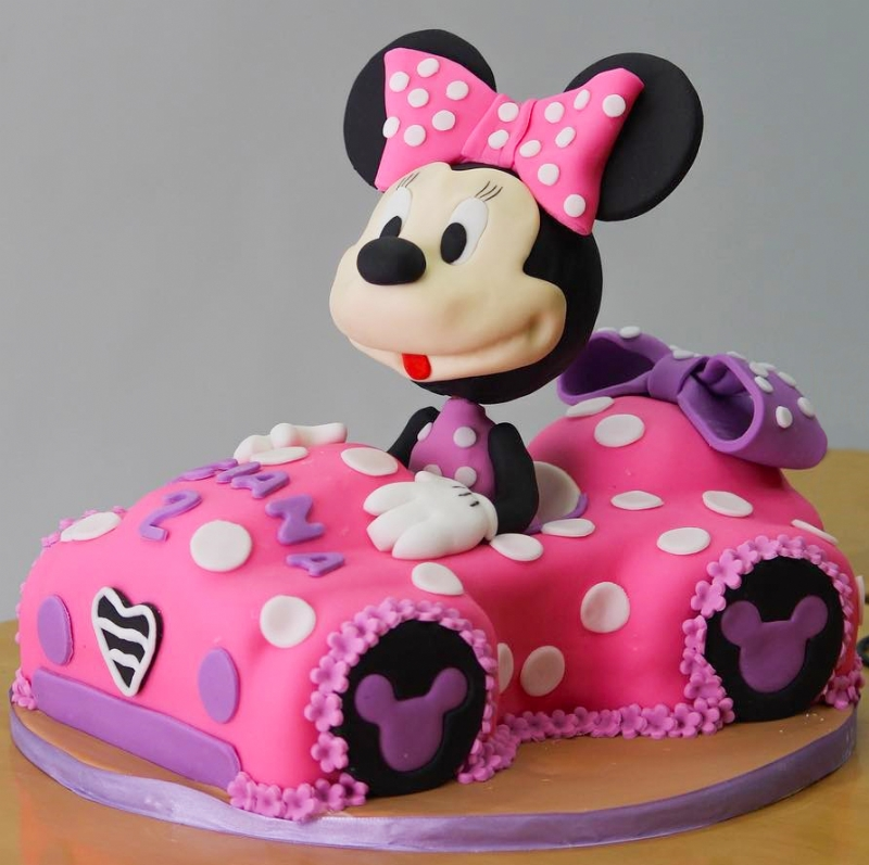 Arabalı Minnie Mouse Pastası