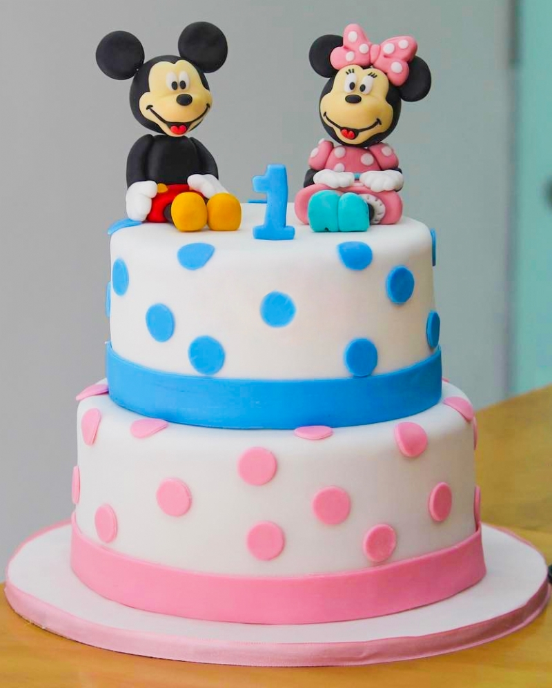 Mickey Mouse ve Minnie Pastası
